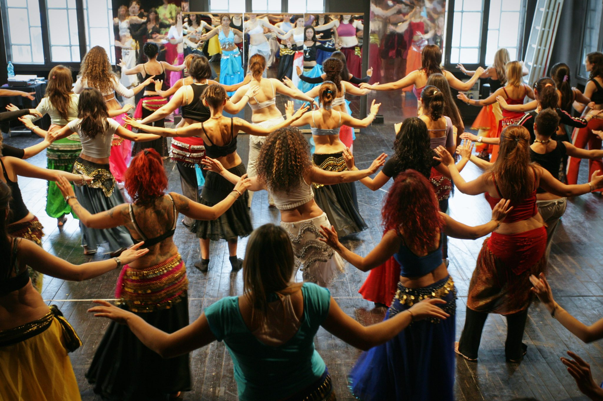 bellydancer belly dance class students bellydance dancers workshop sera sehara asheville nc